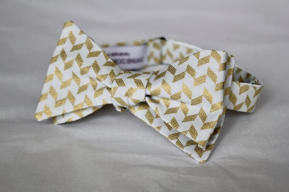 Bowtie in Soft Silver Gray and Gold Herringbone - Groomsmen and wedding tie - clip on, pre-tied with strap or self tying