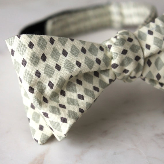 Silver and Gray Diamonds Bow Tie - clip on, pre-tied with strap, self tying - ring bearer outfit, groomsmen ties, gift