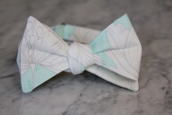 Soft Mint Green and Silver Gray Floral Bowtie - Groomsmen and wedding tie - clip on, pre-tied with strap or self tying