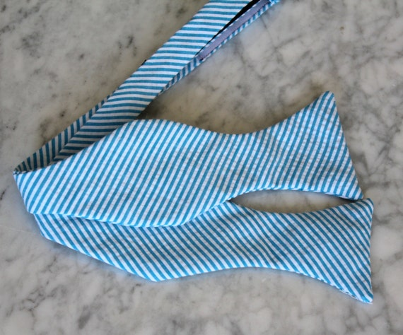 Bow Tie in Turquoise Seersucker for men or boys - Clip on, pre-tied with strap or Self tying, freestyle - Groomsmen gift, ring bearer outfit