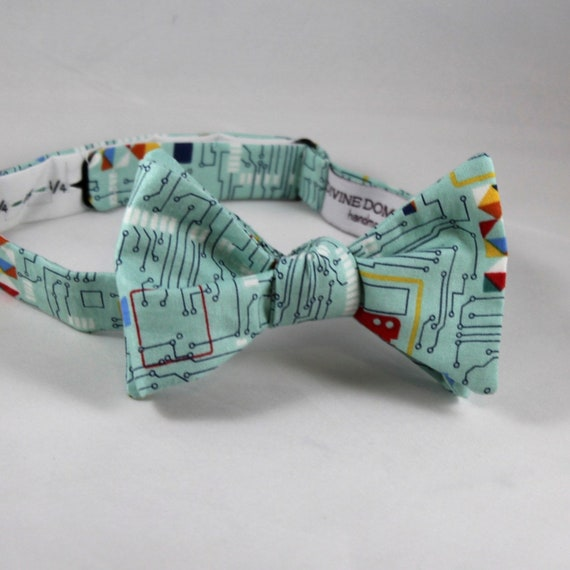 Computer Circuit Board Tie in Turquoise - Computer Science bow tie - clip on, pre-tied with strap or self tying