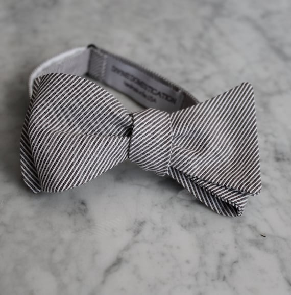 Bow Tie in Tiny Navy Seersucker - clip on, pre-tied adjustable strap or self tying - ring bearer outfit, groomsmen gift, fathers day gift