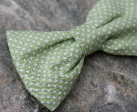 Men's Bow tie in Soft Green Pin Dots  - Clip on, pre-tied adjustable strap or self tying - freestyle