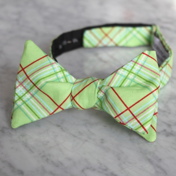 Bow tie in Mint Spring Green Plaid - Groomsmen and wedding tie - clip on, pre-tied with strap or self tying