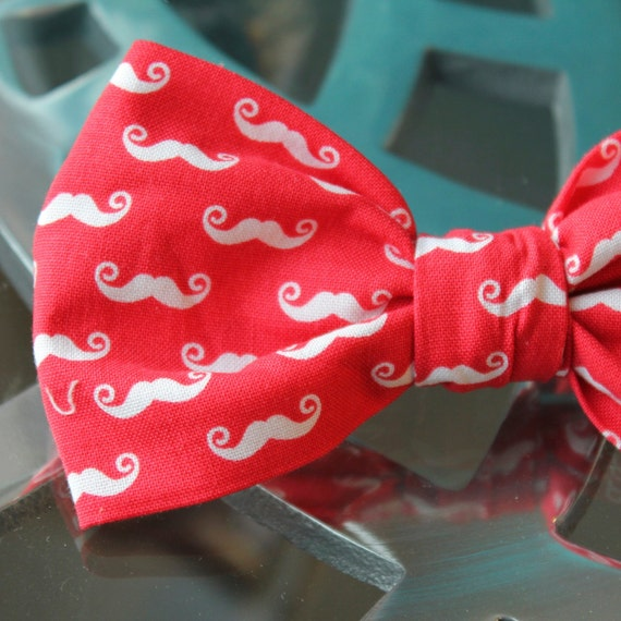 Mens Mustache Bow Tie in Red and White - Groomsmen and wedding tie - clip on, pre-tied with strap or self tying