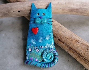 Cat Brooch Blue cat pin, a lovely cat handmade in polymer clay, perfect gift for cat lovers