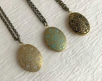 Small Oval Locket Necklace, tiny gold locket pendant, photo locket, wedding locket, bridesmaid necklace, dainty necklace, locket for child