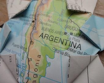 Handpainted shatterproof christmas ornament of map of Argentina and flag Adorno navide\u00f1o del mapa de Argentina con bandera.