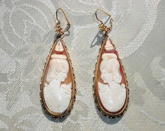 Beautiful Unusual 14K Long Teardrop Hand Carved Shell Cameo Earrings