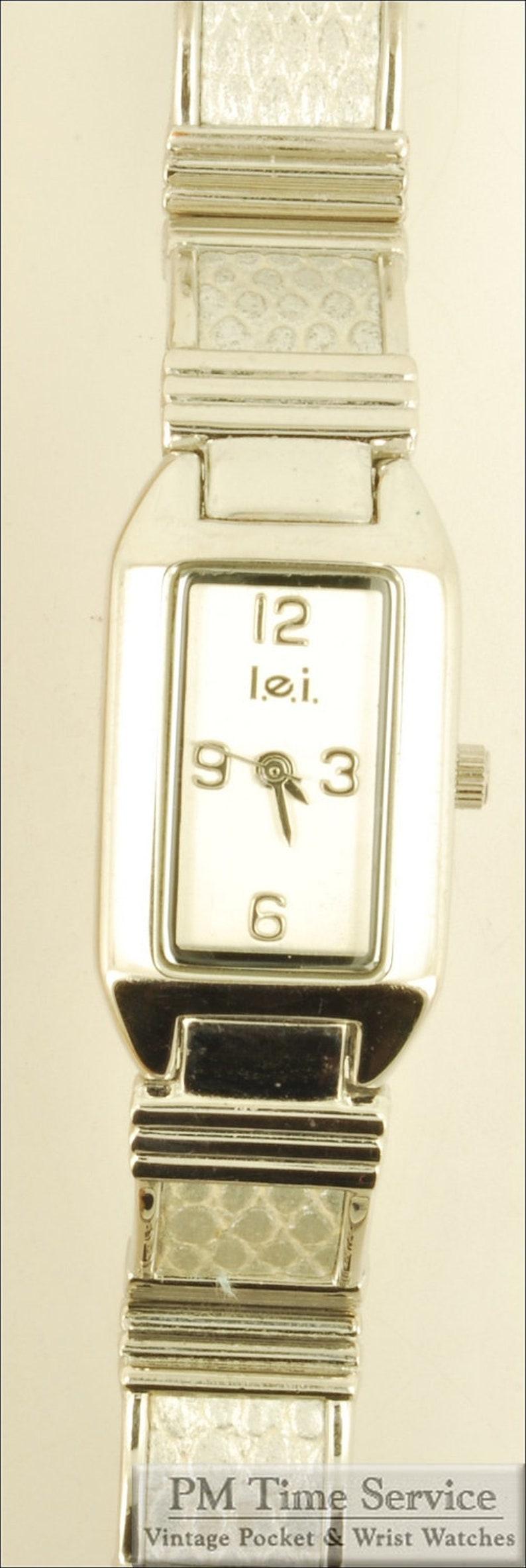 Attractive L.E.I. quartz ladies' wrist watch silver-toned image 0