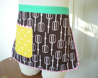 Girls 1/2 Apron, Retro Mixer with Yellow Dots, Childs, kids size 4-6 ... Made and Ready to Ship
