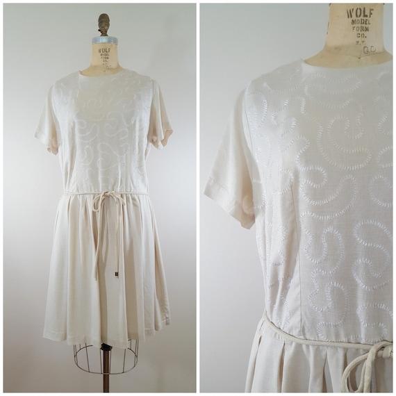 Vintage 1950s Dress / Beige Swirly Pattern / Linen