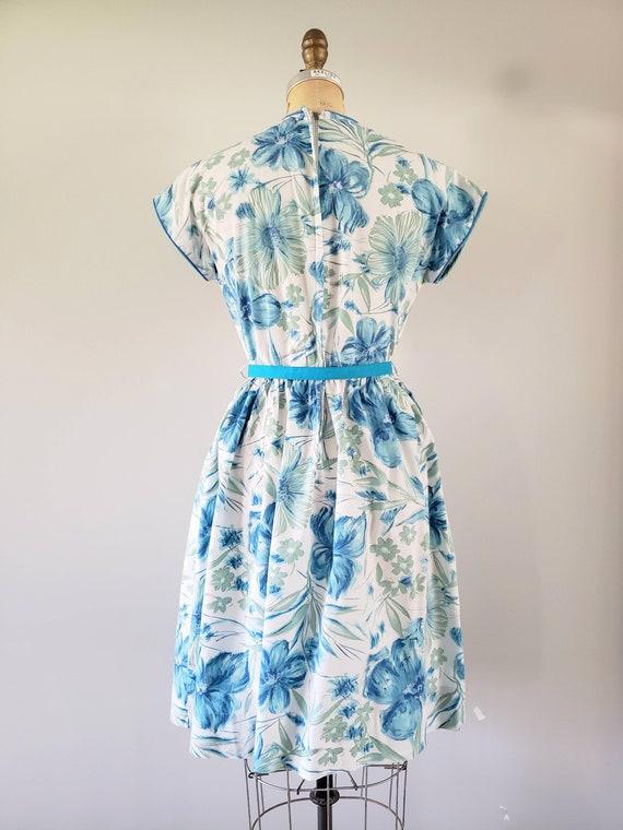 Vintage 1960s Dress / Blue Floral Day Dress / Med… - image 7