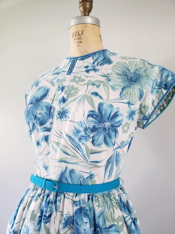 Vintage 1960s Dress / Blue Floral Day Dress / Med… - image 3