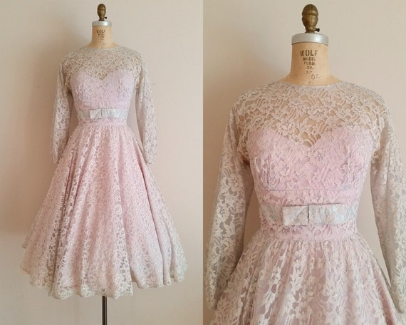 Vintage 1950s Lace Wedding Dress / Long Sleeves / Lace