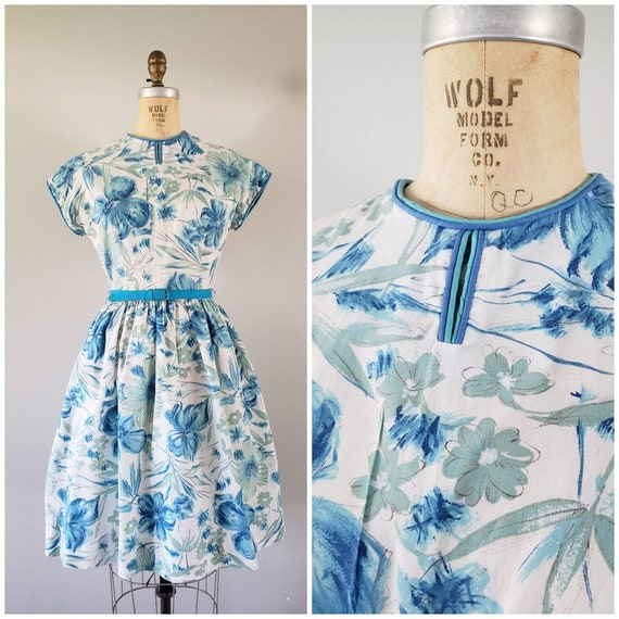 Vintage 1960s Dress / Blue Floral Day Dress / Medi