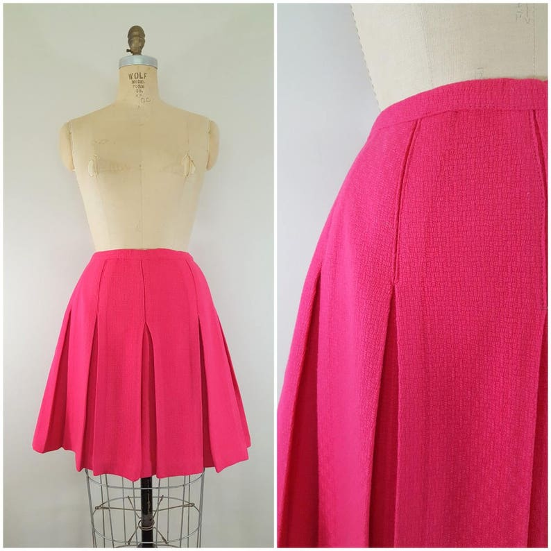 297a075e1 Vintage 1960s Pink Wool Pleated Skirt   Short Swing Skirt