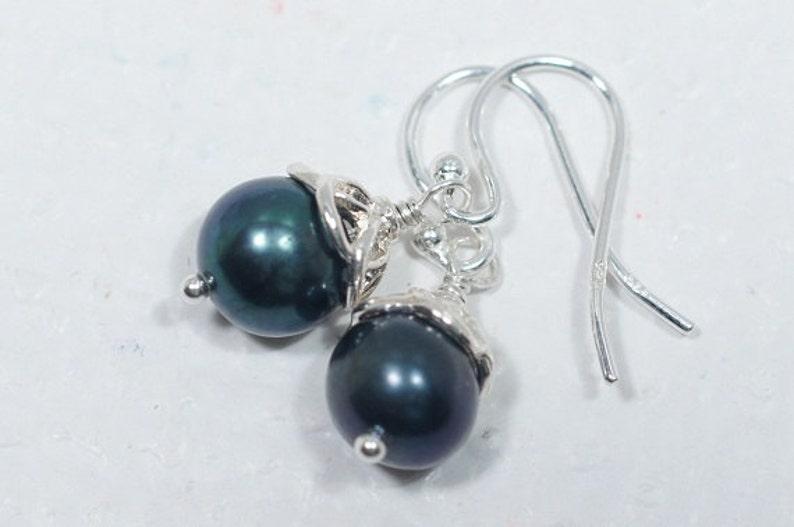 Black Pearl Earrings Bridal Pearl Earrings Classic Round Pearl Earrings Bridesmaid gift Wire Wrap Pearl Earrings Freshwater Pearl Earrings