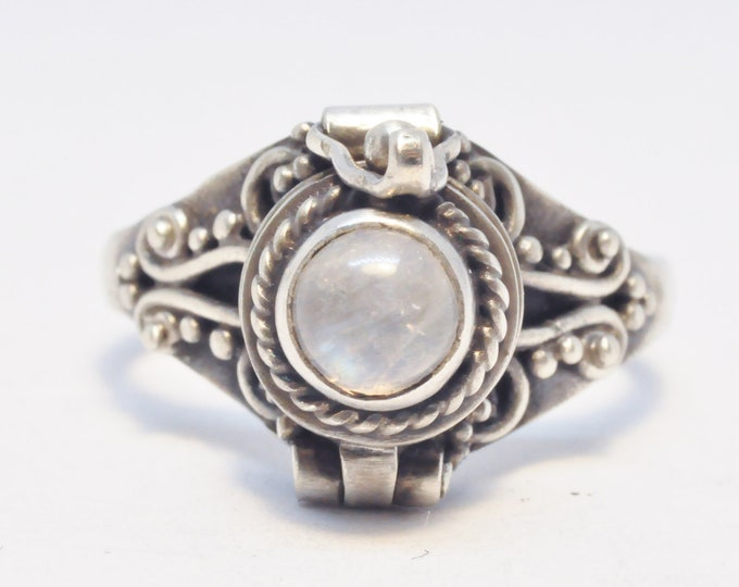 Moonstone Ring, 925 Poison Ring, SIZE 5.25, Round White Locket Ring, Sterling Silver Chamber Ring, Moonstone Secret Compartment Ring (P104)