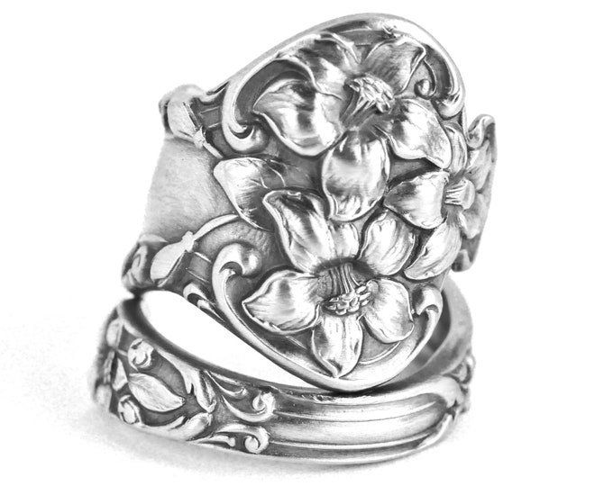 Magnolia Flower Ring, Sterling Silver Spoon Ring, Magnolia Ring, Floral Ring, Magnolia Jewelry, Adjustable Ring Size, Botanic Jewelry (7648)