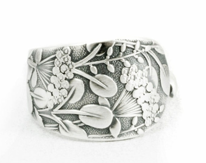 """Petite Queen Anne's Lace Flower, Sterling Silver Spoon Ring, Whiting Pattern of 1885 """"Hagie"""", Handmade Gift for Her, Ring Size 3.25 (7109)"""