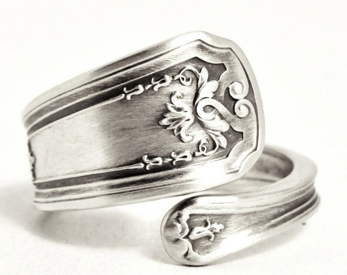 Elegant Ring, Small Silver Ring, Sterling Silver Spoon Ring, Petite Victorian Ring, Gift for Her, Custom Ring Size, Gifts Under 40 (7522)