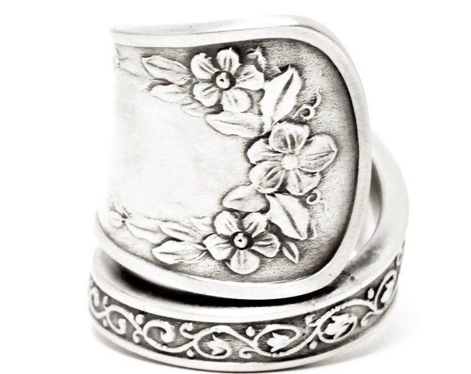 Pansy Flower Ring, Sterling Silver Spoon Ring, Pansy Jewelry, Floral Gardener Gift for Her, Schulz & Fischer Co 1884, Custom Ring Size, 7598