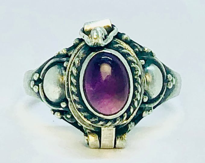 Amethyst Poison Ring in Size 7, Sterling Silver Chamber Ring, Oval Purple Locket Ring, Amythest Birthstone Secret Compartment, Size 7 (P3)