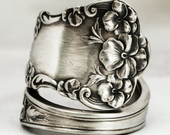 Pansy Flower Ring, Sterling Silver Spoon Ring, Pansy Jewelry, Floral Gardener Gift for Her, International Silver Co 1909, Custom Size (7172)