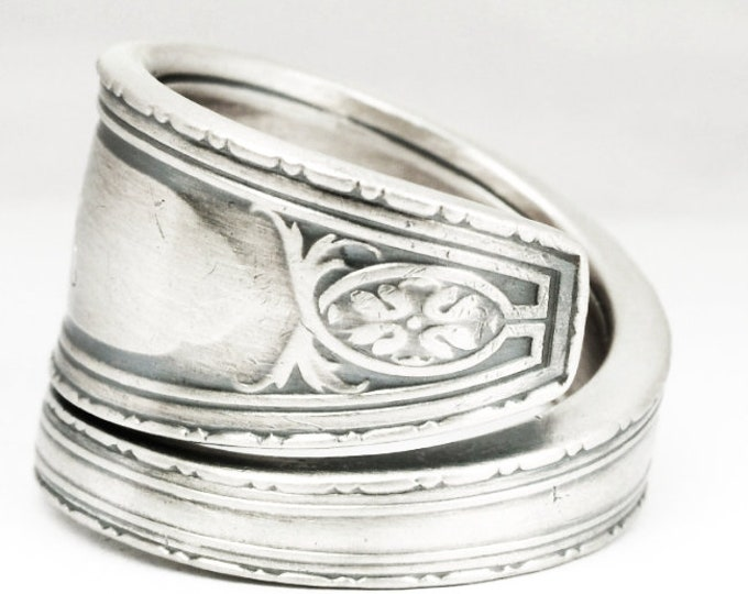 Elegant Ring, Silver Victorian Ring, Sterling Silver Spoon Ring, Antique Wallace Silver 1924 Juliet, Custom Ring Size, Minimalist Ring, 7137