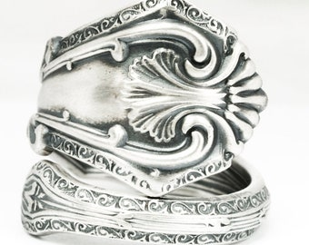 """Stunning Victorian Ring, Sterling Silver Spoon Ring, Antique International Silver ca 1907 """"Duchesse"""", Custom Ring Size, Flatware Ring (7131)"""
