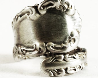 Petite Rococo Ring, Antique Sterling Silver Spoon Ring, Rococo Jewelry Whiting 1891 Louis XV, Silver Shell Ring, Adjustable Ring Size (5828)