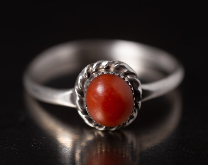 Red Coral Ring, Southwestern Sterling Silver Ring, Ladies Size 9, Stackable Boho, 925 Minimalist Red Stone Ring, 1990s Gifts for Her (V7844)