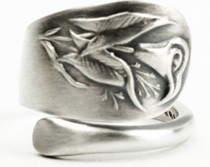 Petite Calla Lily Ring, Foral Jewelry, Antique Sterling Silver Spoon Ring, Small Flower Handcrafted Gift for Her, Adjustable Wrap Ring, 7230