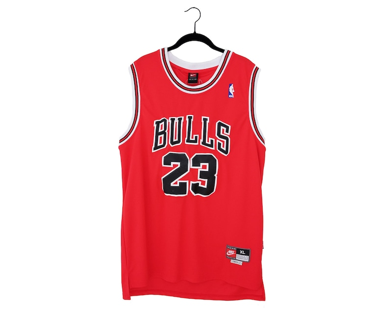 hot sales b9c1d 11806 Vintage Michael Jordan Team Nike #23 Stitched Chicago Bulls Red & Black  Home Jersey, XL