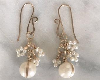 P E A R L dangle earrings
