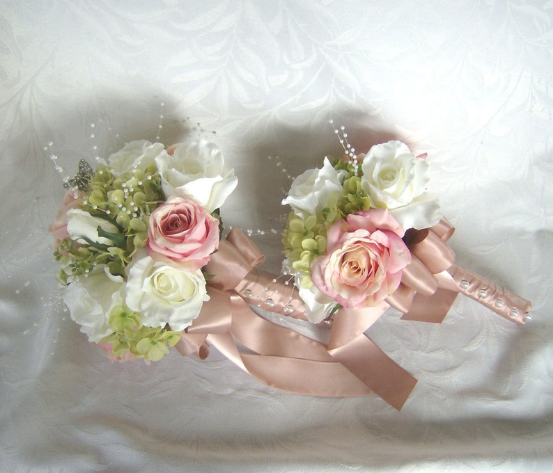 Wedding bouquets and boutonnieres 7 piece set silk bridal bouquets pink blush roses creme white roses green hydrangea