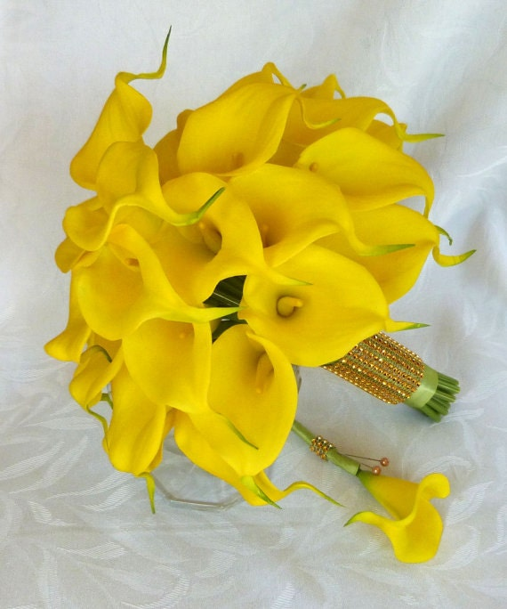 yellow calla lily wedding bouquet real touch mini yellow calla bridal bouquet etsy 1514