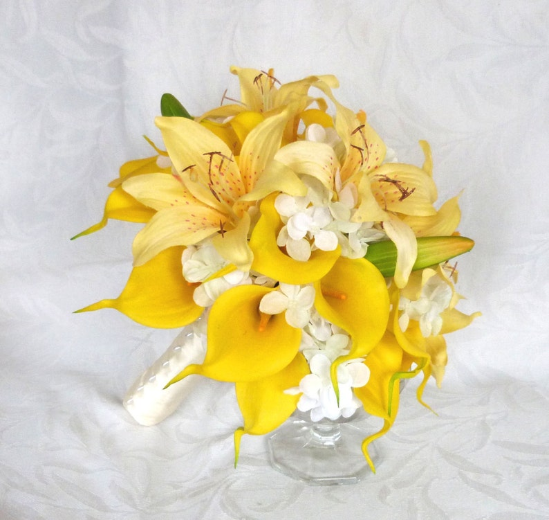 Yellow calla lily and lily bridal bouquet set