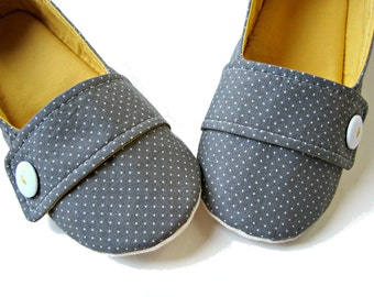 Women's Slippers -  Grey, White, and Curry Yellow 'Moli-Maude' Handmade Slippers