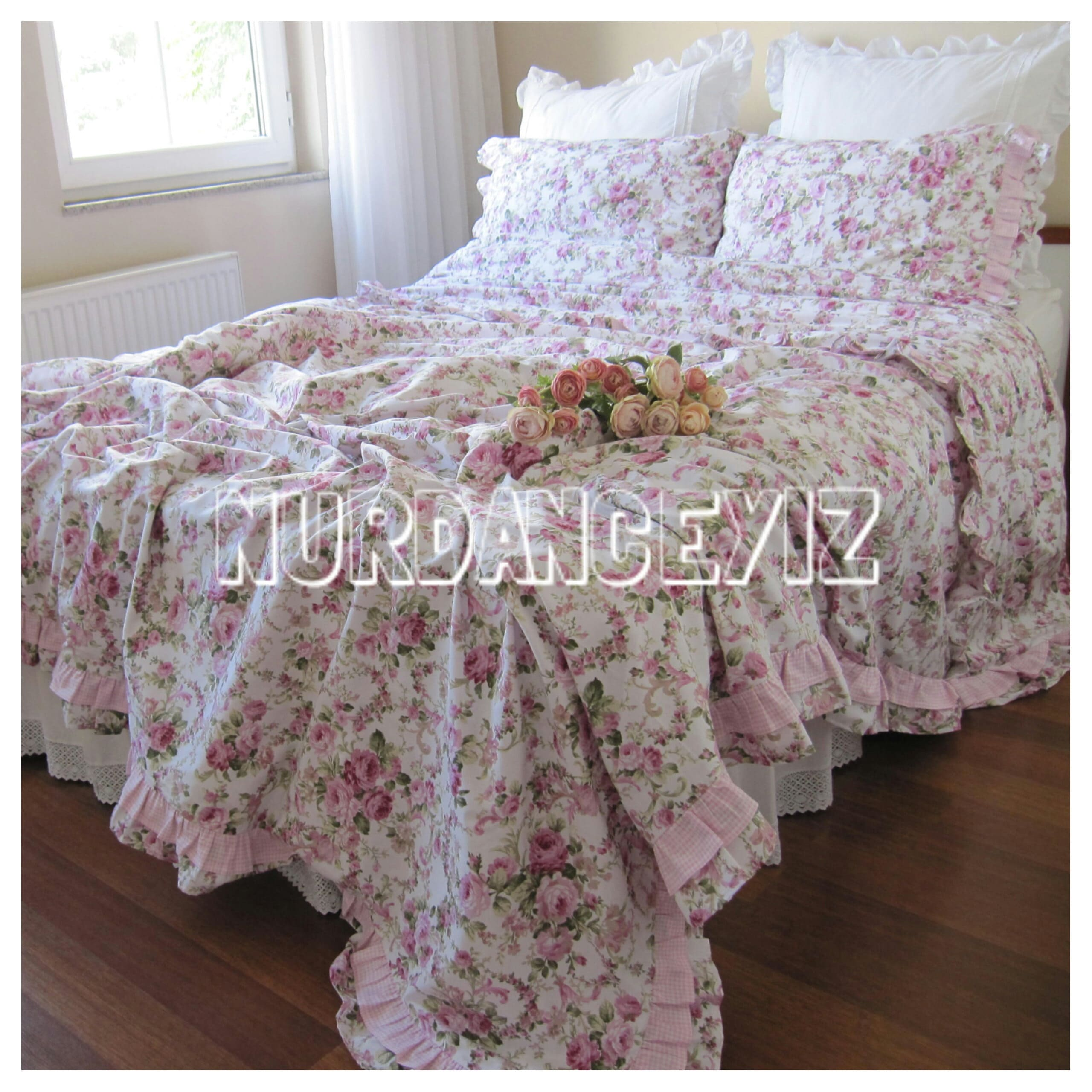 Shabby chic Bedding Red green Pink roses floral print
