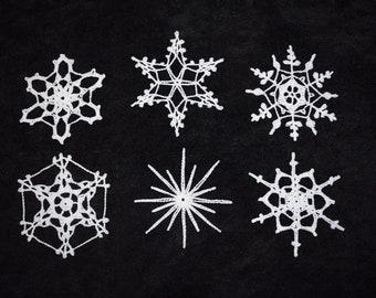 crochet snowflakes//white//large//glitter glue//
