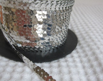 5 Yards Silver Flower Sequin Trim - 48