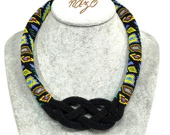 Nazo Josephine knot pendant -  Bead choker - Knotted crochet jewellery - Josephine necklace - Crochet geometric pattern - Celtic knot