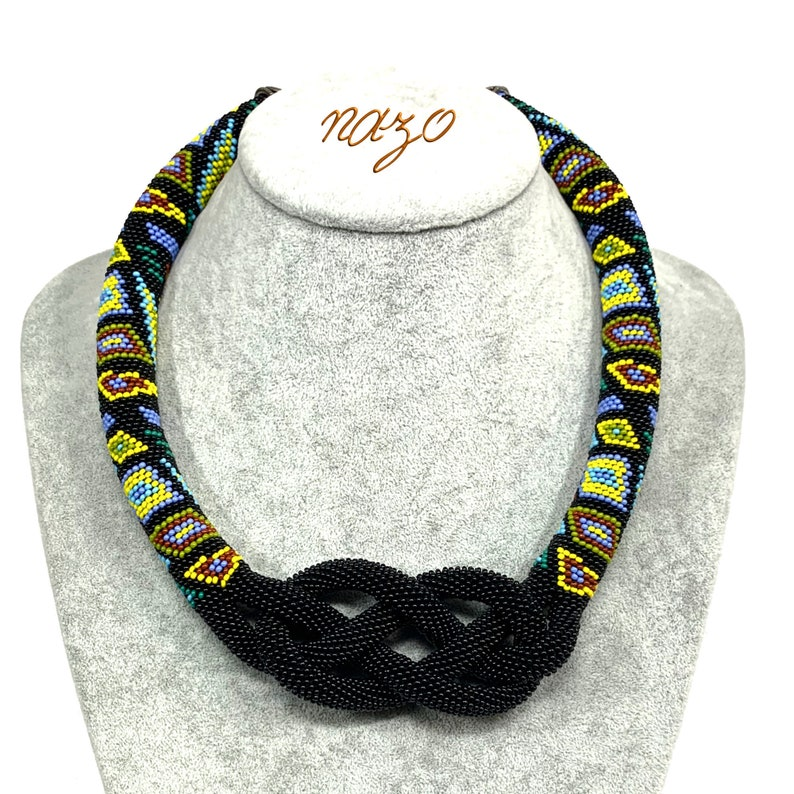 Nazo Josephine knot pendant   Bead choker  Knotted crochet image 0