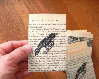 Halloween Small Stamped Raven Crow Book Page Envelopes / Unique Spooky Fall Gift, Autumn Home Decor, Crow Raven Lover Fall Wedding
