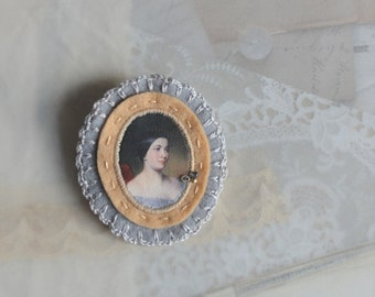 felt brooch with lady portrait - neutral brown grey tones brooch pin - romantic style brooch  - gift for her - museum painting brooch pin