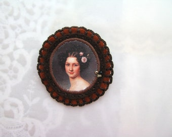 brown brooch with lady portrait - inspirational gift brooch - brown felt portrait brooch - brown felt victorian style brooch - gift for her