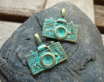 Handpainted Verdigris Patina Vintage Camera Pendant Charms (18031) - 22x21mm