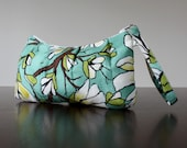 PLEATED WRISTLET in Magno...